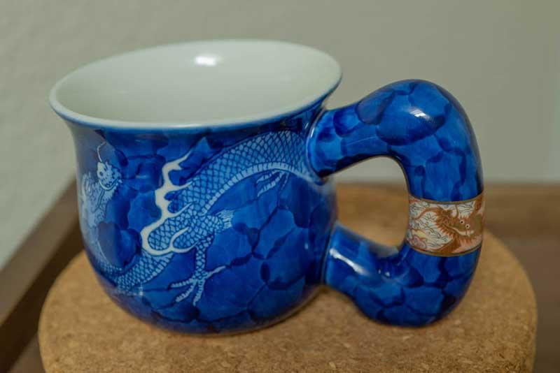 龍のマグカップ
